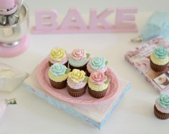 1:6 Scale Sweet Petite Play Scale Miniature Chocolate Shabby Rose Cupcakes
