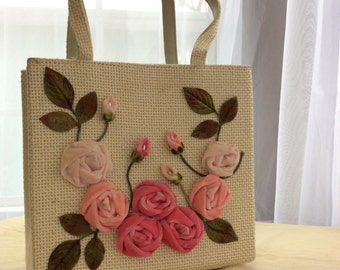 SO SWEET! Vintage 50s 60s weave and velvet rose purse