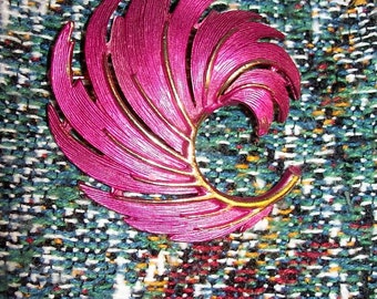 Vintage Pink & Gold Swirl Brooch Pin by Lisner Only 6 USD