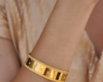 Sewing Tape Cuff , Tape Measure Bracelet , Gold Ruler Cuff , Sewing Gift , Sewing Bracelet , Sewing Jewelry , Ruler Cuff , Sewing Bracelet