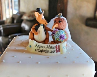Kangaroo groom and kiwi bride wedding cake topper, personalized New Zealand wedding, custom cake topper