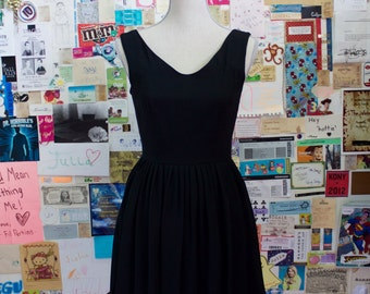 XMAS in JULY SALE : 1980s little black dress