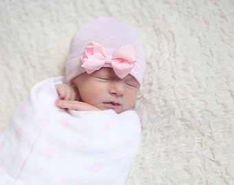 newborn girl take home outfit Newborn Beanie White and Pink Beanie with Bow Portrait Hat Newborn Hospital Hat Baby Girl Infanteenie Beanie