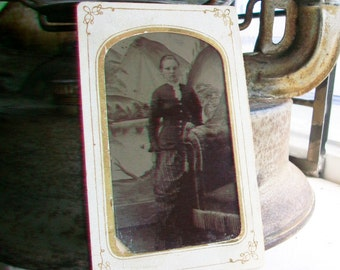 Antique Tin Type Photograph of a Woman Circa 1850-1860s In Cartouche Card
