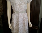 Vintage 50s ivory lace dress with belt
