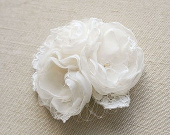 Bridal Hair Piece Wedding Headpiece Lace Flower Clip Ivory Bridal Flower Fascinator Bridal Bouquet Clip Bridal Hair Accessories Veil Clip