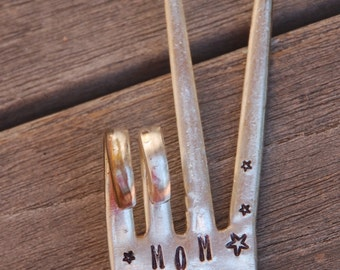 MOM ROCKS hand stamped Fork Garden Marker stake for Flower Pots House plants