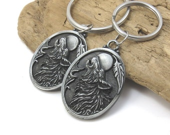 Howling Wolf Keychain,  Detailed Wolf Keyring in 2 Sizes - Native-Style Wolf with Feather Detail
