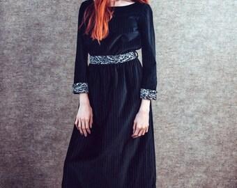 Robe de velours noir, fait main robe, robe de jour, robe noire, robe manches longues, style des années 1970, les vêtements des années 1970, Bohème, boho