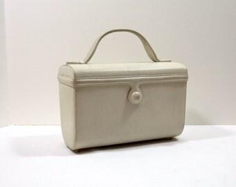 NETTIE ROSENSTEIN White Leather Box Purse