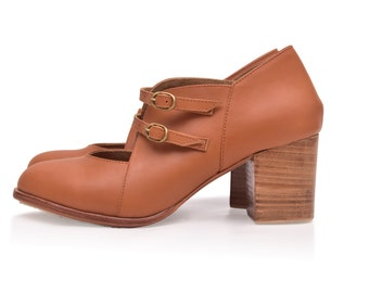 SKYLIGHT. Leather booties / vintage style shoes / oxford booties / women leather shoes. Sizes 35-43. Available in different leather colors
