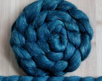"Merino Firestar 'Sparkles Roving' in ""Norwegian Sky"" colorway - Teal blue and firestar sparkles blend - Spinning Braid Fiber"