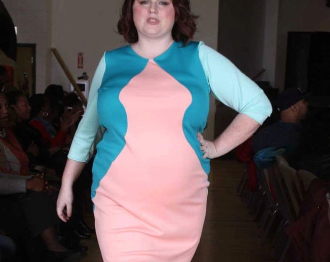 Featured listing image: Arrow Dress 3/4 sleeves- Curvy/ Plus Size