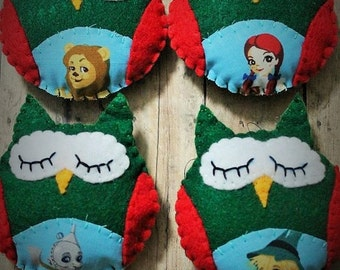 Owl ornaments-Wizard of OZ owls-Handmade felt Christmas ornaments-Owl decor-Set of 4 owls-Felt owls-Christmas gift