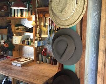1602 Vertical Hat Rack