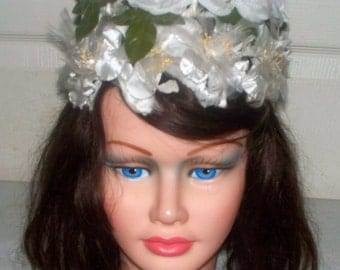 1960s White Floral Pillbox Hat  - Good Condition  - Unmarked