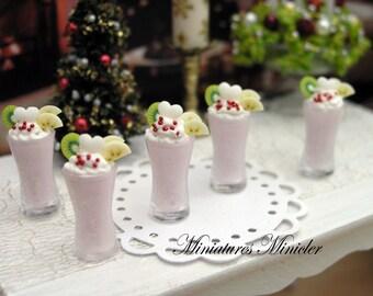 Miniature Dollhouse Strawberry Ice Smoothie 1:12