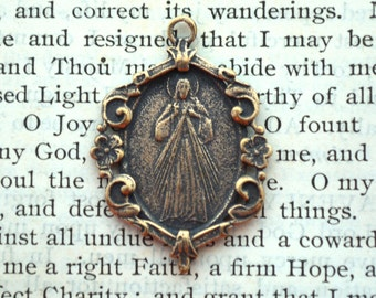 Divine Mercy Medal - Bronze or Sterling Silver - Religious Medal - Sterling Divine Mercy Medal (M-1302)