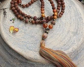 Beautiful frosted and smooth agate gemstone mala necklace