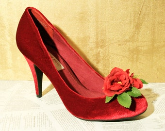 Romantic Gothic Red Rose Victorian Floral SHOE CLIPS