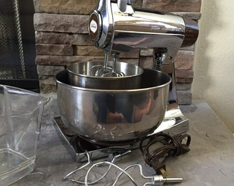 Sunbeam Electric Mixer - Chrome - Full Set - Vintage Electric Mixer -  1970s Retro Mixer - Vintage Mixer - Working Mixer - Sunbeam Appliance