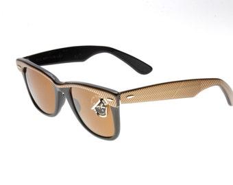 Rayban Wayfarer Bausch - Lomb reflective sand/gold & black vintage 80s sunglasses with original case
