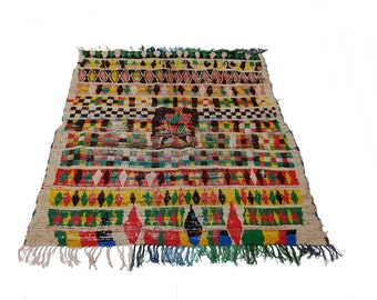"88""X55"" Vintage Moroccan rug woven by hand from scraps of fabric / boucherouite / boucherouette"