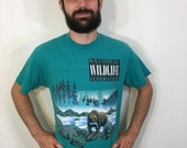 National Wildlife Federation Grizzly Brown Bear Fishing Salmon Forest River Stream Preservation Animal Tee T Shirt Large L 90s 1990s 1990