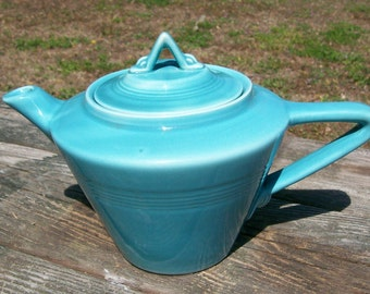 Vintage Fiesta Harlequin HLC  Peacock /Robin Egg Blue Tea Pot Teapot GREAT CONDITION