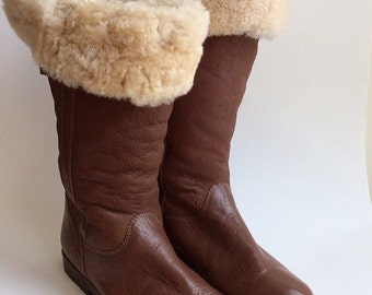 80s Brown Leather Knee High Winter Boots / 1980s Vintage Flat Fur Lined Snow Boots / Size 8 1/2