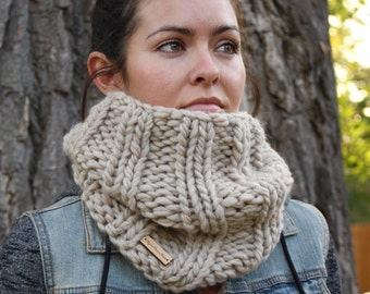 Natural Knit Wool Cowl/ Infinity Scarf/ Chunky Knit Cowl/ Womens Infinity Cowl/ Wide Cowl/ Fall Infinity Scarf/ Chunky Scarf/Oversized