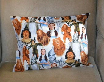 Travel Pillow Case / Child Pillow Case WIZARD OF OZ / Dorothy / Scare Crow / Tin Man / Lion / Toto