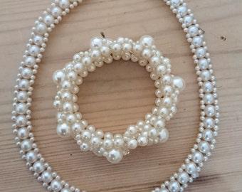Vintage Pearl necklace with bracelet