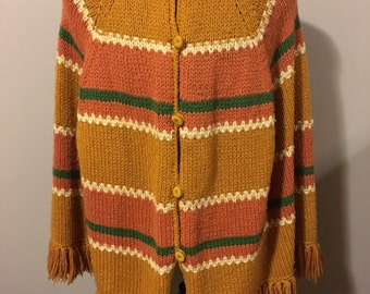 Vintage 1970s Knitted/Crochet Mod Shawl Poncho with Buttons and Fringe