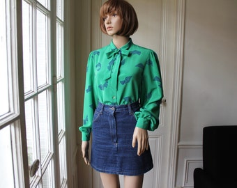 Green blouse royal blue ribbons graphic pattern 80s chic tie neck vintage blouse long sleeves green blue - Size M