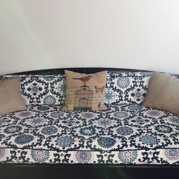Fitted Daybed cover with CORDING/PIPING in twin twin xl and