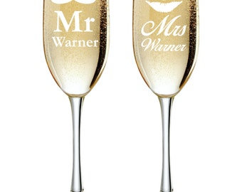 Mr and Mrs Personalized Champagne Flutes, Wedding Toasting Glasses, Engraved Toasting Glasses, Custom Champagne Glasses, Set of 2