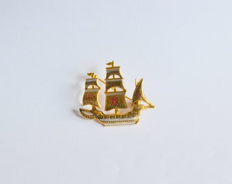 Vintage Nautical Pirate Ship brooch Spain Spanish Damascene gold tone red cross Christopher Columbus clipper Victorian Steampunk pin