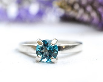 Natural Dark Blue Topaz Ring in 925 Sterling Silver *Free Worldwide Shipping*