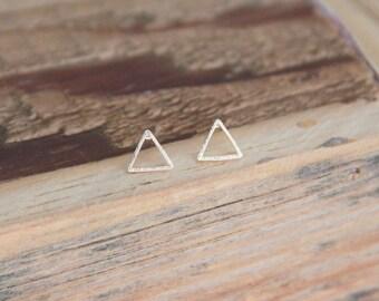Gold open triangle earrings, Small Triangle Earrings , Gold Triangle, Minimalist Gold Jewelry, Bridesmaid Gift,Gold Earrings, Modern Jewelry