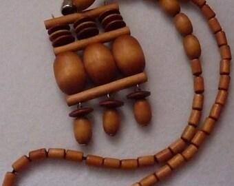 Necklace. Aarikka (Finland). Wood and metal.