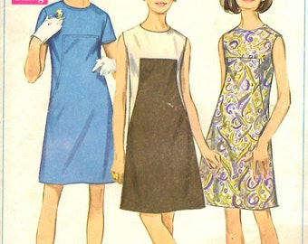 Simplicity 7535 Juniors and Misses Dress Sewing Pattern
