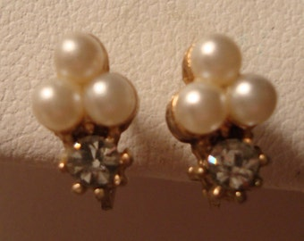 Vintage Faux Triple-Pearl, Rhinestones, Heart Profile, Gold Tone Screw Back Earrings - Excellent Vintage Condition!!