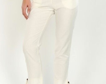 Beautiful linen trousers with angle cut pockets