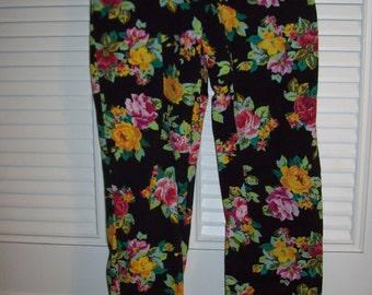 Vintage Floral Denim Skinny Jeans.  All Jean Features !  Size 8 - 10