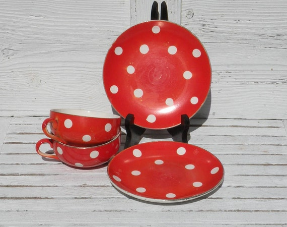 2 x Sarreguemines polka dot cups and saucers, red and white, country home, shabby chic, French vintage, country cottage, cup and saucer