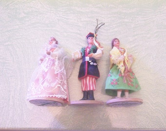 Three vintage Polish Poland dolls man woman Spoldzielnia Pracy R.L.I.A. Lalki Regionalne traditional costumes