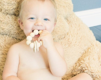 Wooden teether •  Wooden rattle •  Natural wooden baby toy •  Organic baby toy •  Natural wooden teether •  Teething toy • Baby toy
