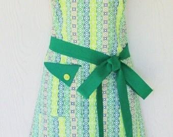 Celtic Knot Apron, St Patricks Day Apron, Kelly Green, Retro Style Apron, KitschNStyle