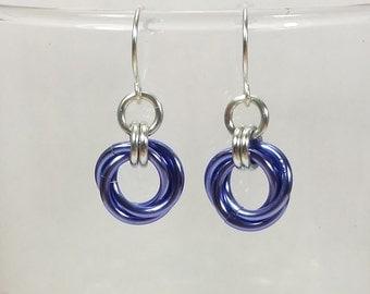 Mobius Chainmail Earrings - Purple